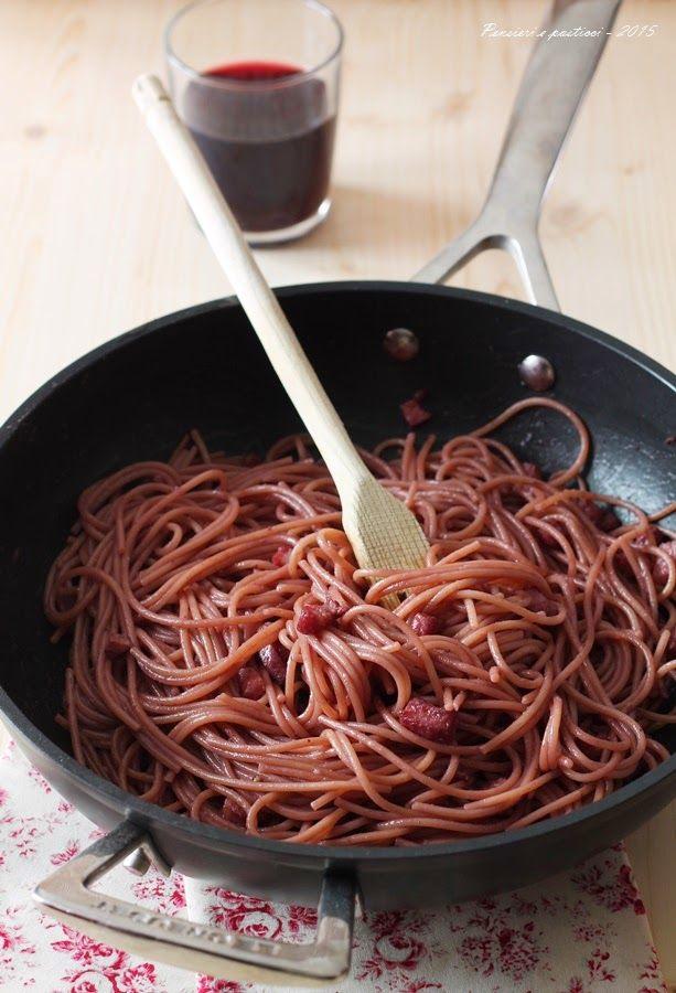 Spaghetti in padella, alla pancetta e vino rosso | pensieri e pasticci