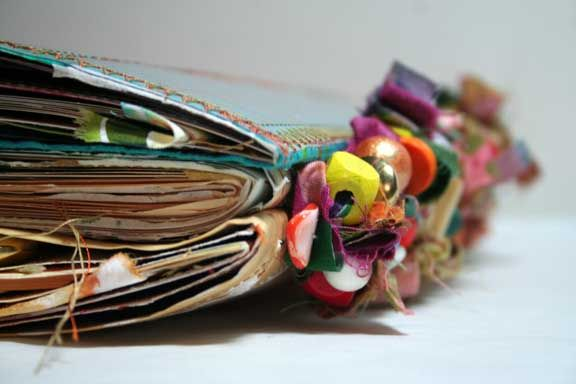Cool Journal Binding Technique by dj pettitte - link to numerous fabric books