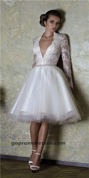 FAVE- short wedding dress  http://shop.biensavvy.eu/love-story-2013/french-love--p204.html