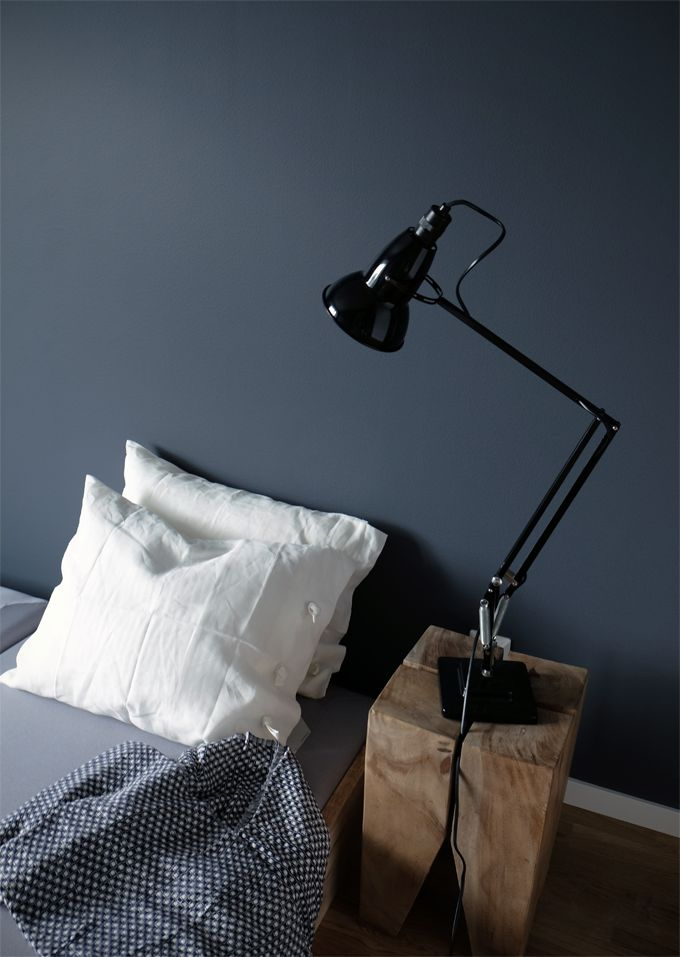 STIL INSPIRATION: From this week | Dark greyish blue + Anglepoise lamp