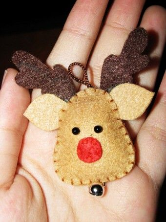 felt reindeer head with little bell for 2014 Christmas - handmade Christmas craft - LoveItSoMuch.com