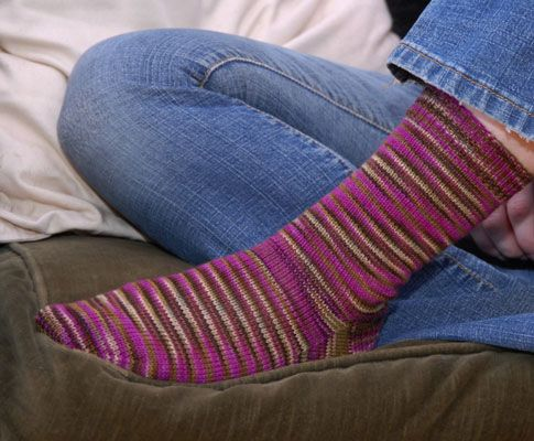 Easy Sock Knitting Pattern : 1000+ ideas about Knit Sock Pattern on Pinterest How to ...