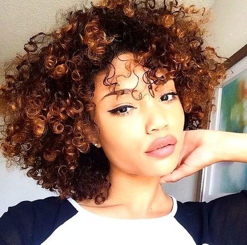 Curls                                                                                                                                                                                 Mais