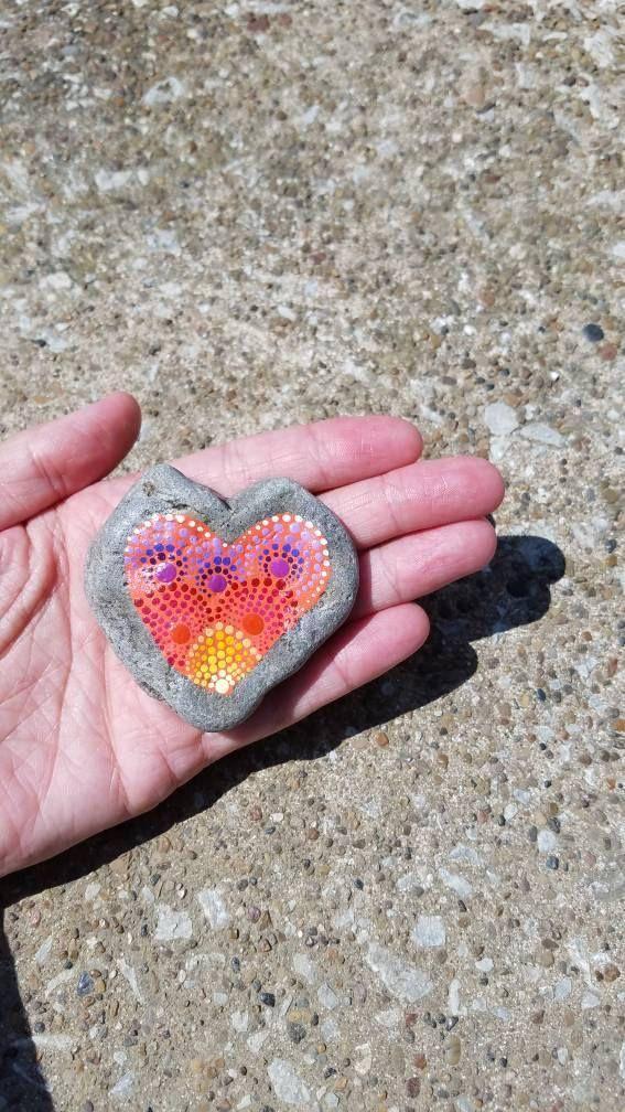 Hart van steen / Mandala ontwerp / Dot kunst / beschilderde