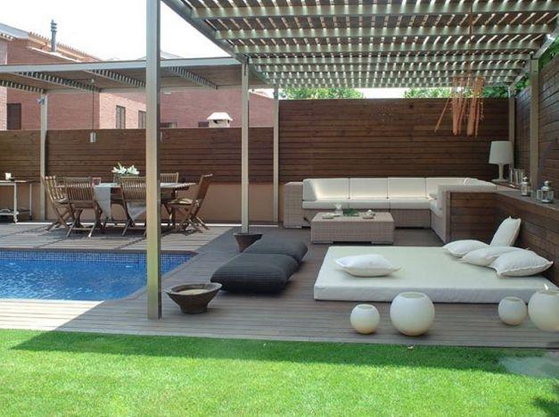 Terrassengestaltung modern Luxusdesign und sehr modischen Terrasse am Pool fühlt sich cool und macht Spaß einfach anwenden