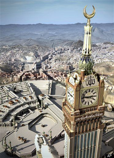 In the holy city of Mecca (Saudi Arabia) is the world's largest watch - Royal bell tower (Royal Clock).