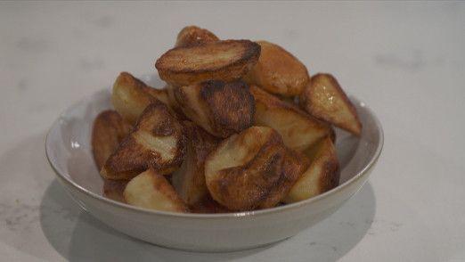 Phil's ultimate roast potatoes | Food, Lorraine recipes ...