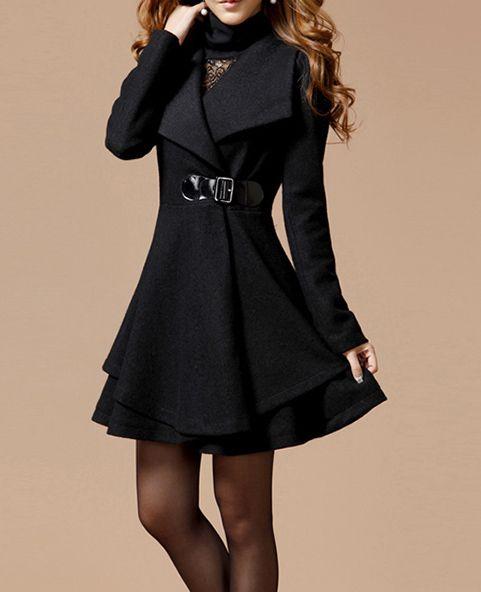 Manteau noir fermeture à boucle gothique élégant aristocrate