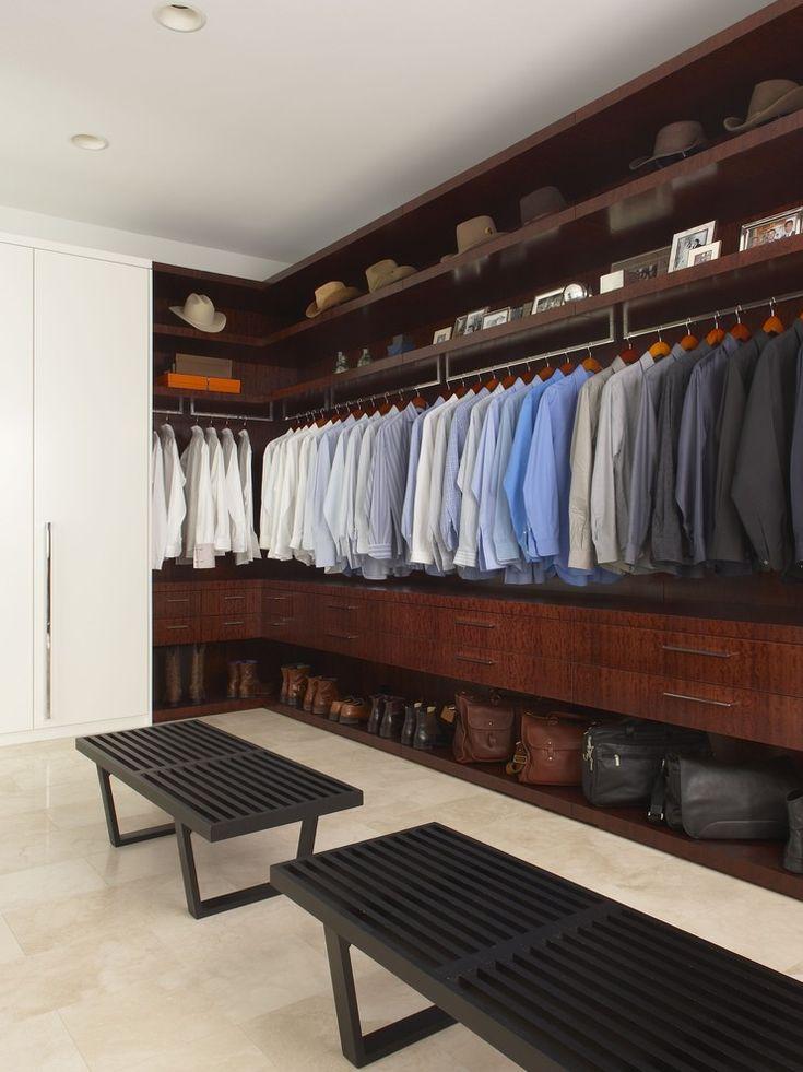 Открытые шкафы для хранения мужской одежды