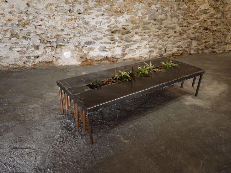 Atelier Fer Autrement - Créations décalées et originales d'objets, de luminaires et de mobiliers contemporains réalisés principalement à partir de métaux, de bois et de céramique.