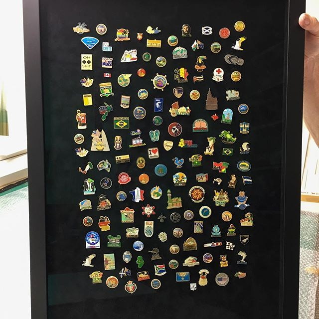 Earlier we posted about an awesome collection of travel badges we framed last year, and this was the final result. We used Museum grade glass on it to minimise reflections allowing the customer to see every detail of every badge. This photo completely does not do it justice - we loved it and more importantly, so did the customer!⠀