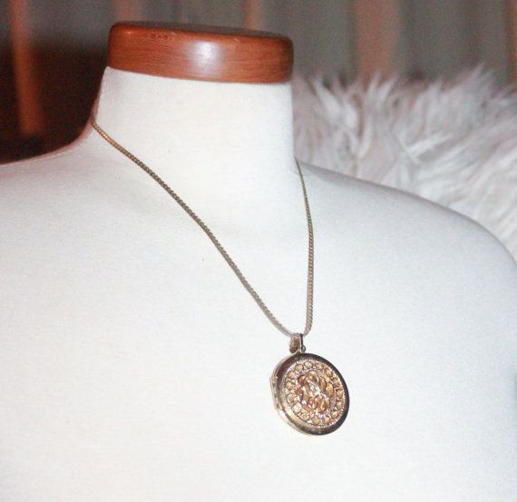 """Beautiful Vintage Scrolled Locket and 18"""" Chain on Etsy, $9.07 CAD"""