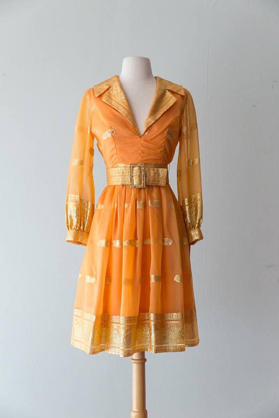 Absolutely incredible vintage 1960s Dress 60s Oscar de la Renta  Fashion inspiration and feminine ootd ideas --> www.eva-darling.com  INSTAGRAM --> @Eva_Phan
