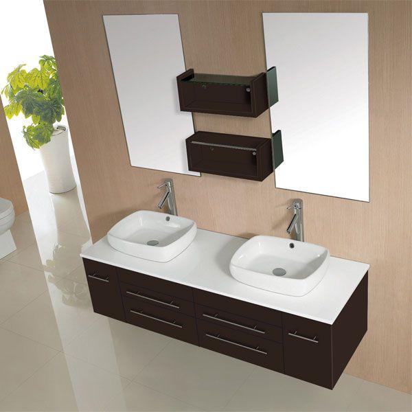 Fatigué des bousculades matinales dans la salle de bain? Optez pour un modèle double vasque fonctionnel avec 2 miroirs et 2 tablettes.
