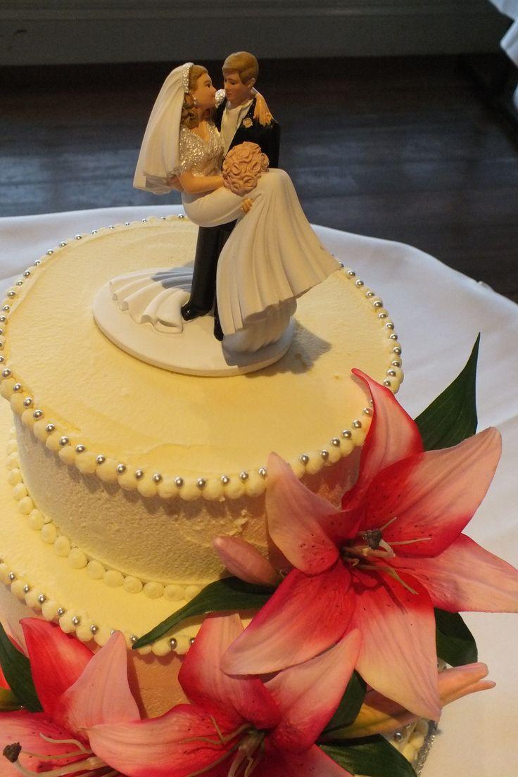 Tawny had their wedding at Preston Peak.