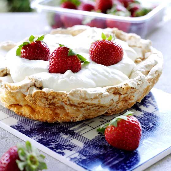 Marengsdessert med jordbær - Opskrifter