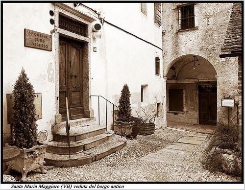 Cortili interni in Santa Maria Maggiore, Vigezzo  #TuscanyAgriturismoGiratola
