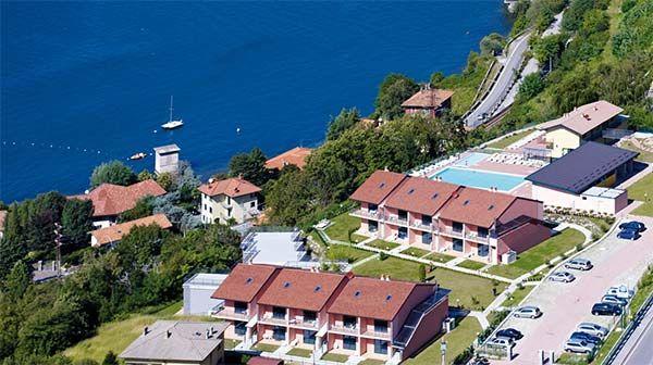 A Dervio il residence Oasi del Viandante con vista sul lago di Como offre appartamenti e piscina scoperta.