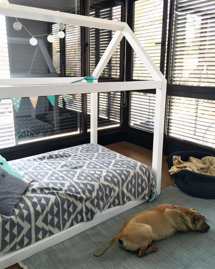 Esta es una cama que instalamos hace un tiempo en una casa - Tiempo en camas ...