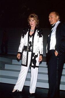 Stephanie Powers and Robert Loggia.