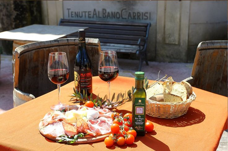 """BARBECUE DI PASQUETTA - http://tenutealbanocarrisi.com/barbecue-di-pasquetta/  MEAT & VEGETERIAN BARBECUE PRESSO IL NOSTRO VILLAGGIO ALL'APERTO  Selezione di carne grigliatte locali Salsiccia, Bombette, Gnummarieddi, Capocollo con verdure delle Tenute secondo l'antica tradizione pugliese e bicchiere di vino """"Don Carmelo""""  30,00 EURO A PERSONA Informazioni e Prenota..."""