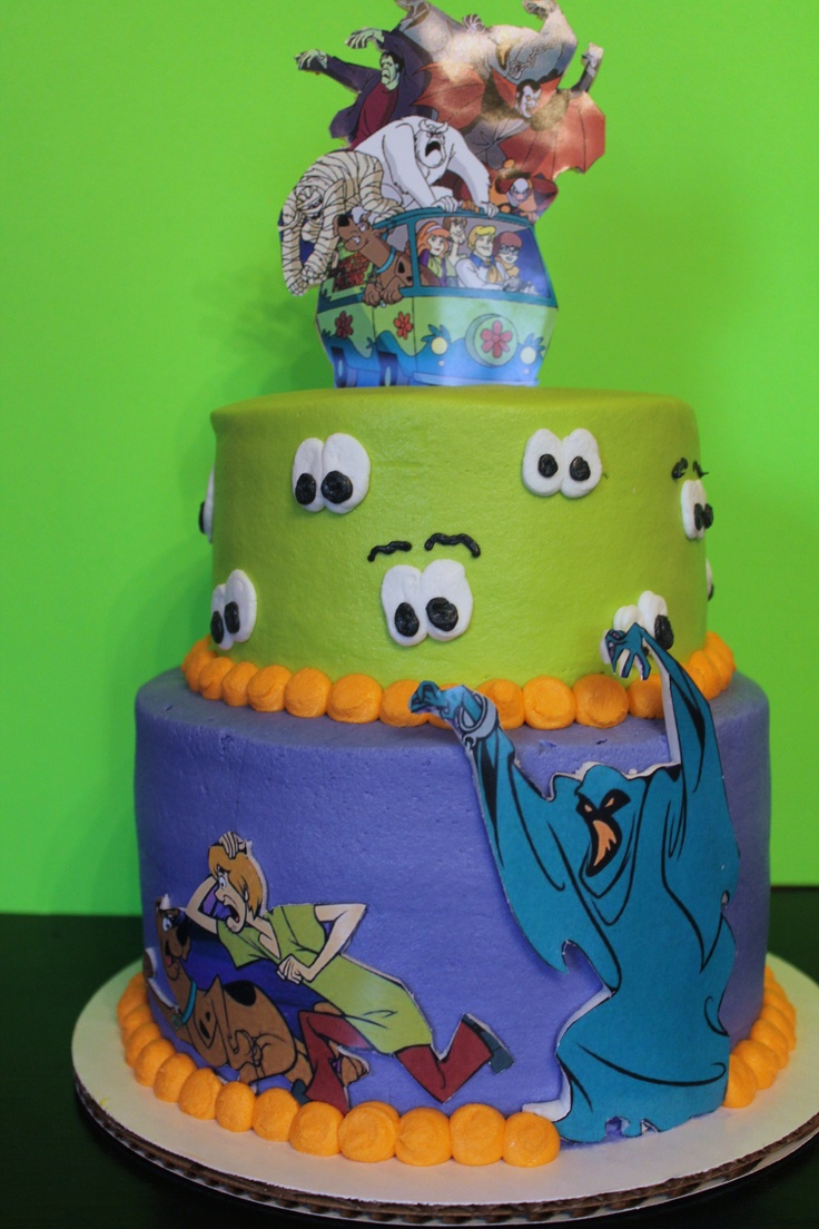 Scooby Doo cake// This goes with the party venue, Monster's Golf. I'm not crazy about the topper though