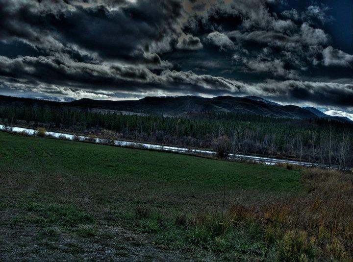 Tahkini River Road, Yukon - Tim Falkenberg