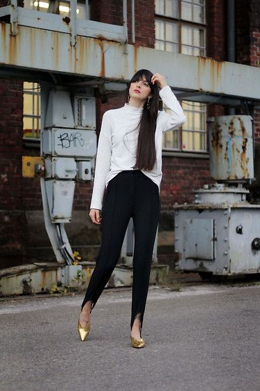 Get this look: http://lb.nu/look/8584199  More looks by Paz Halabi Rodriguez: http://lb.nu/pazhalabirodriguez  Items in this look:  Zara White Turtle Neck, H&M Fuseau Pants, H&M Golden Hooves   #casual #chic #street #blogger #newpost #santiago #chile #barcelona #madrid