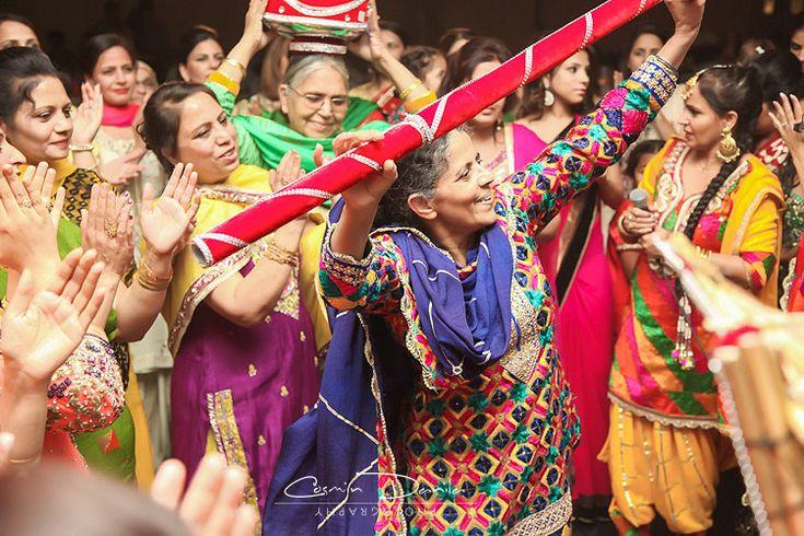 Mehndi Ceremony Punjabi : East indian wedding photography punjabi rituals ladies