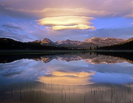 Lentikuláris felhők Hegy Dana, Yosemite Park, California (99 pieces)