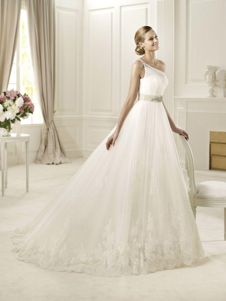 Gowns under $2000 | Modes Bridal Boutique