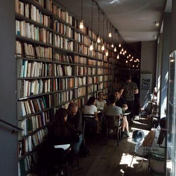 Used Book Café, 111 Boulevard Beaumarchais, 75003 Paris, France - Townske