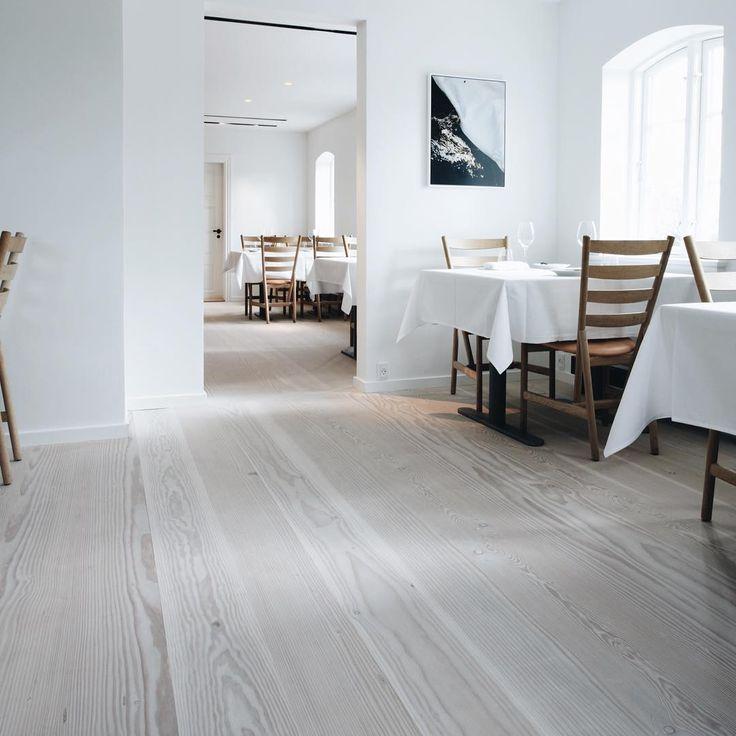 Wide plank flooring at Henne Kirkeby Kro - Douglas by Dinesen