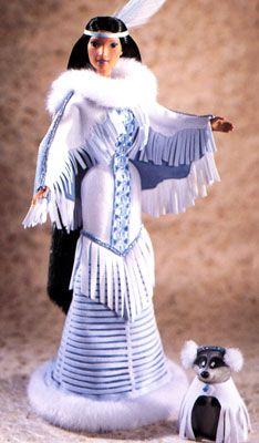 Pocahontas Winter Moon + Meeko Very Rare Barbie Disney Barbie Doll #Barbie #Barbie doll
