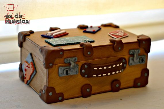 Personalized Music Box. Old suitcase with travel by esdemusica
