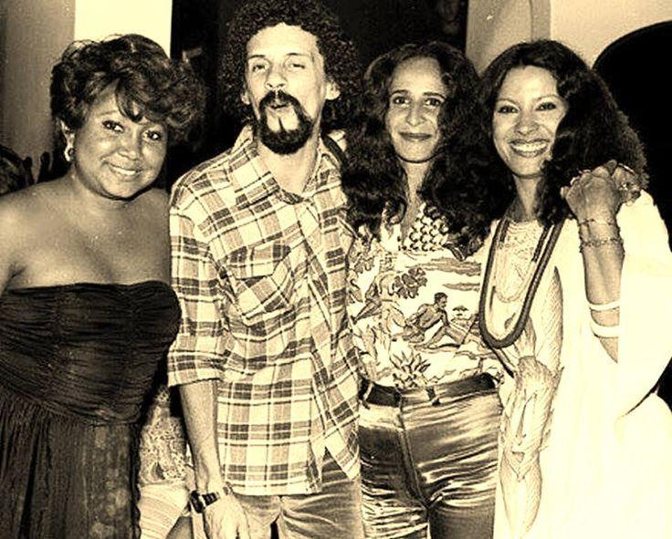 Alcione, Gonzaguinha, Maria Bethânia e Clara Nunes.