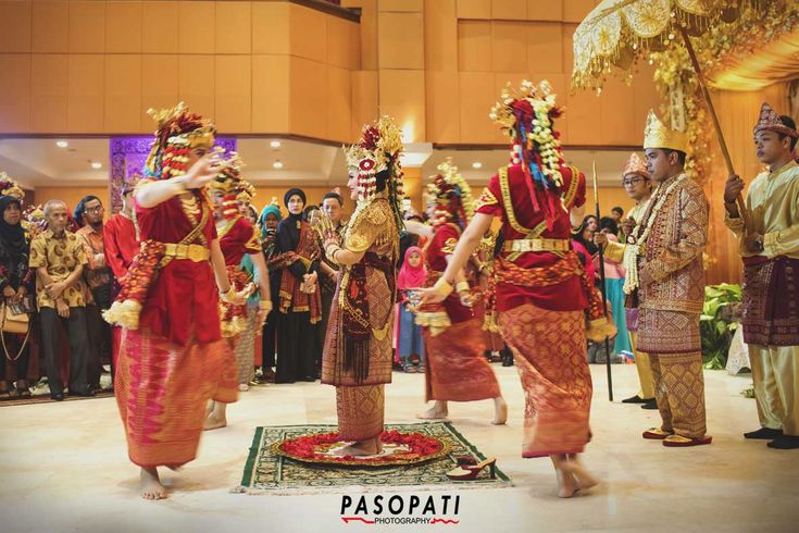 Tari Pagar Pengantin, Traditional Wedding (Palembang)