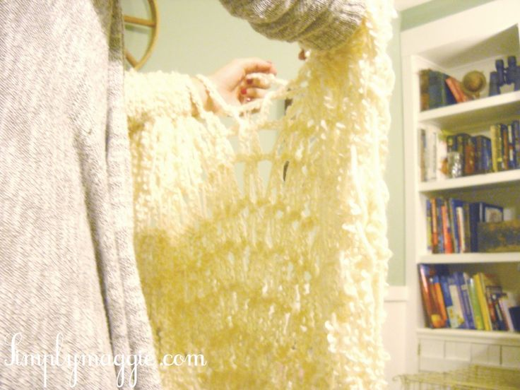 Arm knit a blanket in one hour! --simply maggie- my daughter learned arm knitting