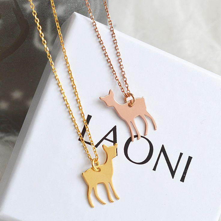 Naszyjnik z sarenką różowe złoto  >>> https://laoni.pl/naszyjnik-z-sarenka-rozowe-zloto #sarenka #prezent #biżuteria #dlaniej #naszyjnik