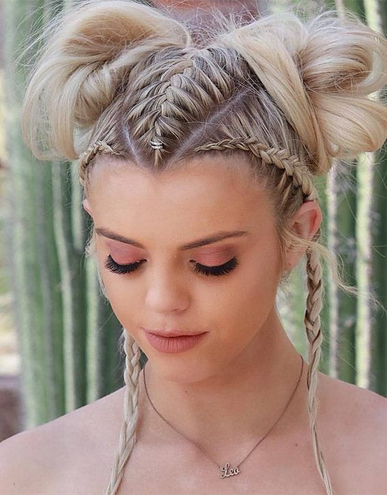 If you do'nt know how to get the perfect look on your special day of wedding? Then just tap here and see this Modern Look of Braid Hairstyles for those girls who are going to getting married in the year of 2019. All the Stylish girls can try out this style any time in 2019 and get the inspirational look right now.