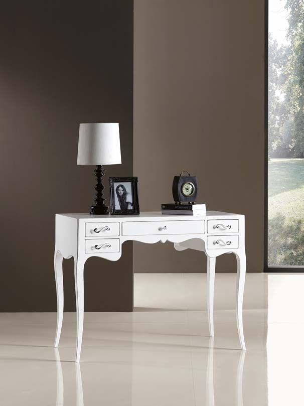 www.cordelsrl.com        #scrivania #legno laccato #elegante