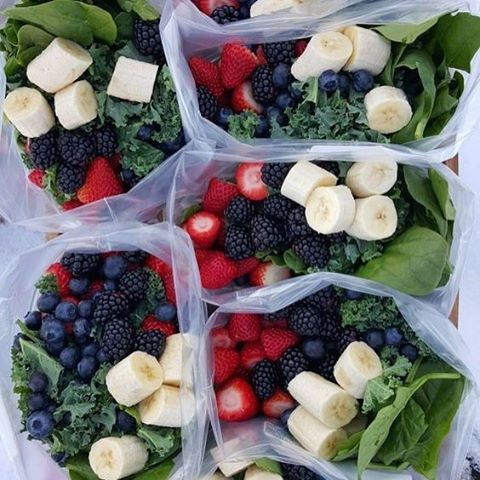 Pre packed frozen smoothie bags have made my mornings so much easier. Either pack a bag for the whole family, or make personalised ones. Cut back on food waste and make sure to throw in any greens that you might not get around to eating fresh! Image via @Pinterest