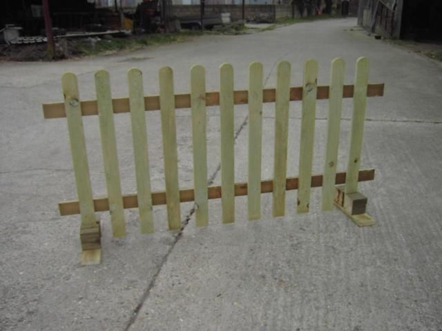 """""""No Posts"""" Picket Fence. Ideal Events & Shows. Moveable, Free standing. Free Delivery Norwich area. 