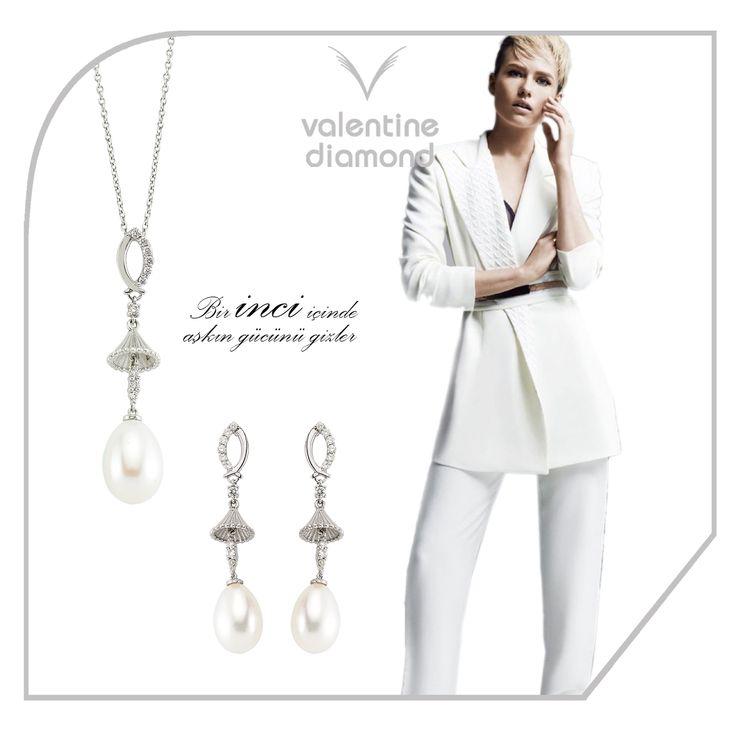 Bir inci içinde aşkın gücünü gizler #love #happy #ring #yuzuk #diamond #pirlanta #marry #wedding #fiance #weddingring #jewelry #kolye #necklace #bracelet # #istanbul #amazing #girl #women #style #design #engagement #white #luxury