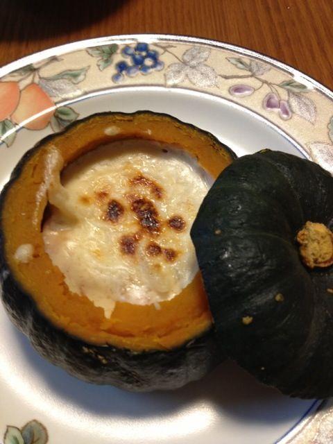 これ、作りたかったんた(*^^*)美味しかった(๑´ڡ`๑)☆ - 166件のもぐもぐ - 坊ちゃんかぼちゃのグラタン by kamasann