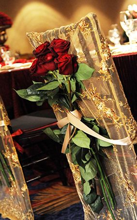 A classy and subtle nod to Beauty and the Beast #Disney #wedding #roses