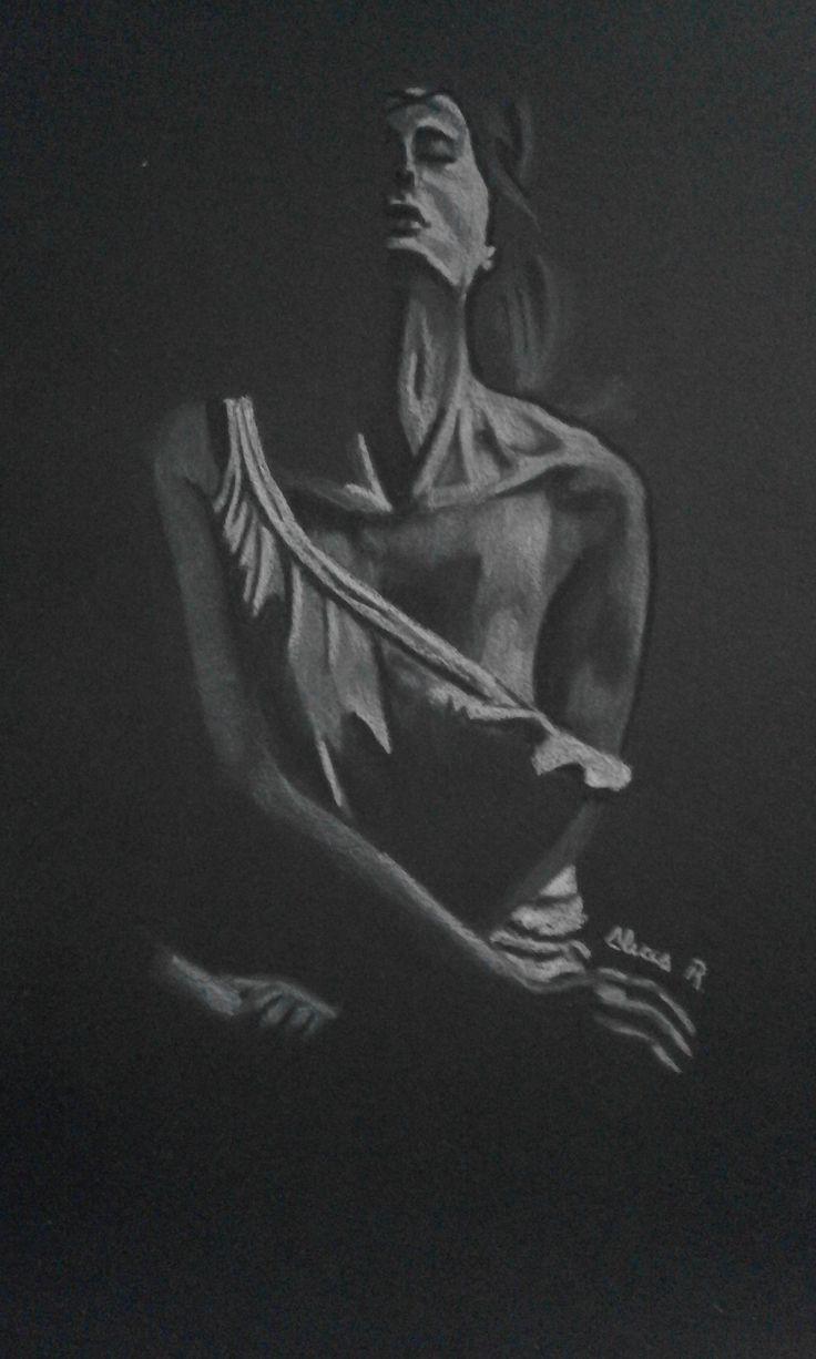 Dibujo realizado en carboncillo blanco por  Alicia Ruiz sobre papel negro Canson.