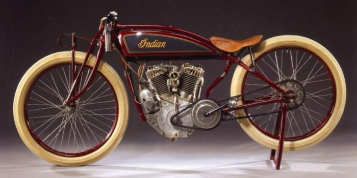 The 1916 Indian Power Plus sidevalve engine replaced the F-head (inlet over exhaust) layout of the type first designed by Oscar Hedstrom in 1901.