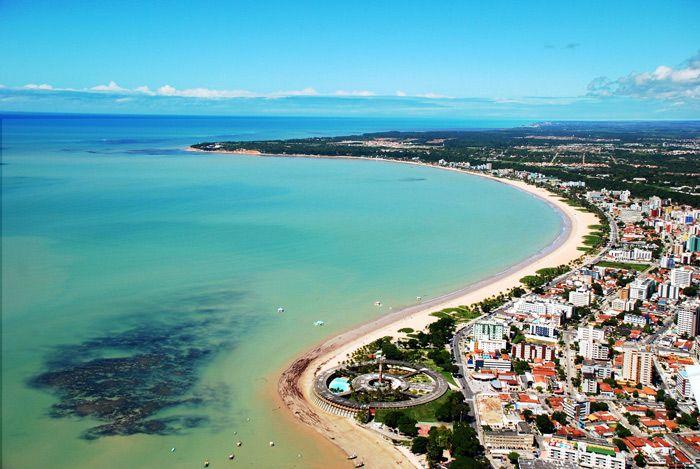 Tambaú Beach, João Pessoa, Paraíba, Brazil. Tambaú is well shaken for being the most popular urban beach in Joao Pessoa.