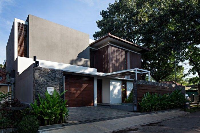 Nakula-House,-a-Modern-Natural-Design
